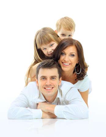 Gelukkig gezin lachend. Geïsoleerd over een witte achtergrond