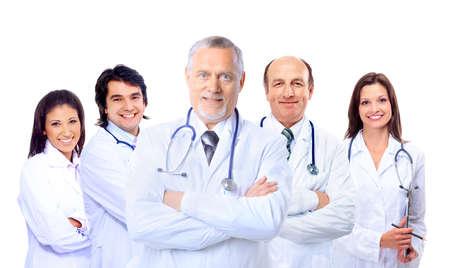 grupo de médicos: Retrato de grupo de colegas del hospital sonriente de pie junto