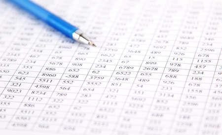Vérifier l'équilibre - la préparation d'un bilan Banque d'images - 23344742