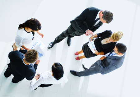 Draufsicht von Geschäftsleuten mit ihren Händen zusammen Standard-Bild - 34313812