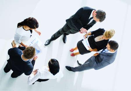 Vista dall'alto di uomini d'affari con le mani insieme