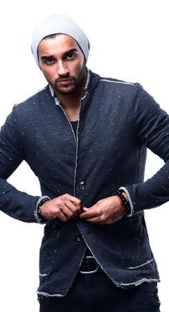 modelos negras: moda hombre confiado y guapo