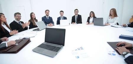 Assemblée des actionnaires de la société à la table ronde. Banque d'images - 91582463