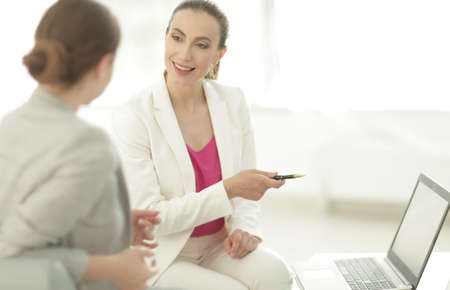 financial Manager communicates with the client