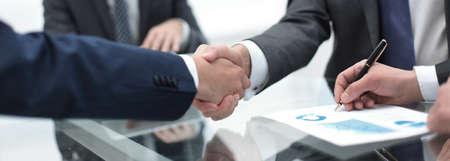close up.handshake of business partners Stockfoto
