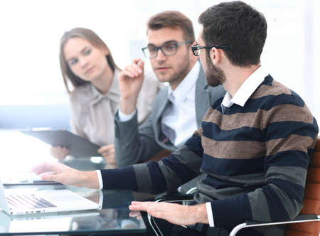 Business people working in the office Imagens