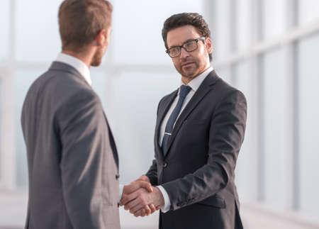 friendly handshake of business partners 스톡 콘텐츠