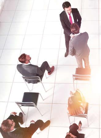 会議でのビジネス・ピープル、トップ・ビュー