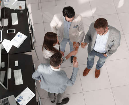 top view.the business team celebrates a successful startup Imagens - 122893204