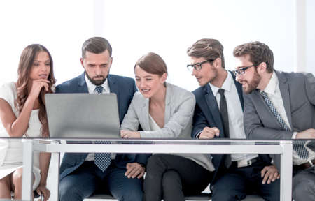 Group of business people brainstorming together in the meeting room. Standard-Bild - 119270395