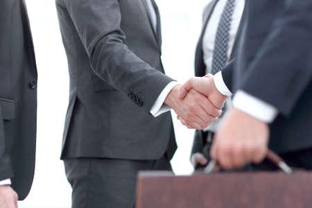 closeup.handshake des partenaires commerciaux.