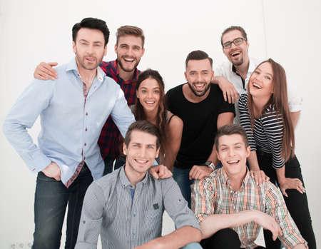 創造的なビジネスチームの集団肖像画