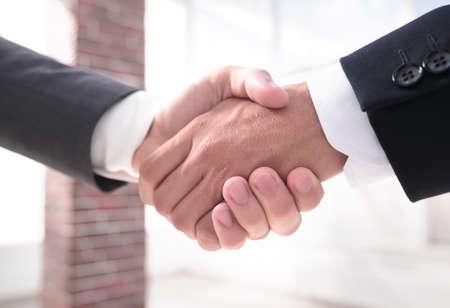 closeup.handshake of business partners Foto de archivo - 130674676