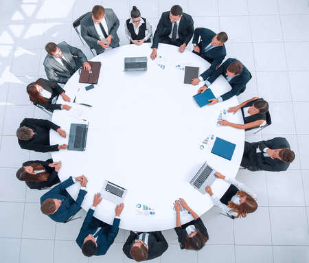 meeting of shareholders of the company at the round - table.the concept of business meetings Banque d'images