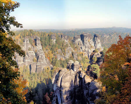 attraktion: Bizarre rocks world in the Saxon Switzerland at a sunny  day in autumn Stock Photo
