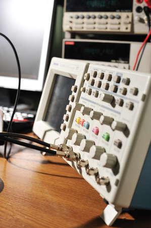 Electronic oscilloscope.