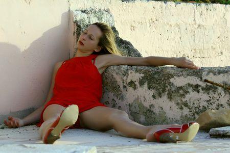 ubriaco: donna giocare morti, giaceva a terra da sunrise