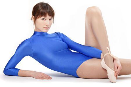 turnanzug: Portr�t des Gymnastik M�dchen auf wei�en Hintergrund isoliert Lizenzfreie Bilder