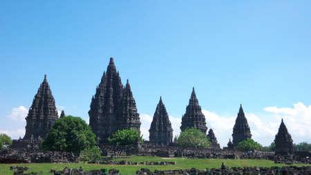 hindues: compuestos de templo de Prambanan - templo hind�es m�s hermoso, el m�s grande del mundo y el m�s alto