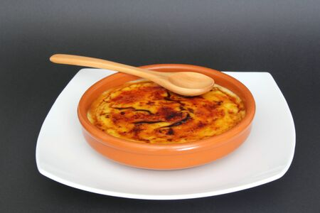 azucar: Caramelized Crème brûlée Stock Photo