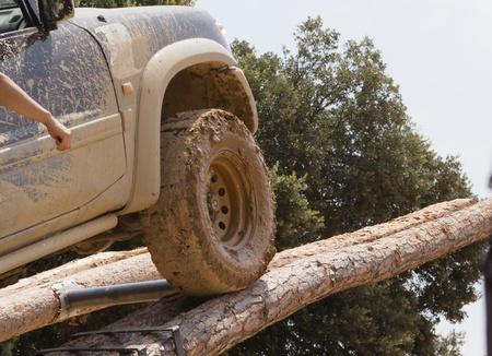Terrain un obstáculo troncos escalada Foto de archivo