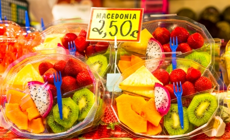 Packaged fruits varied to consume on the spot