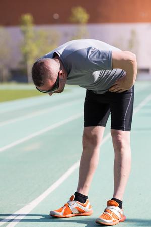 reiste: Sportler m�de, nachdem er reiste eine lange Strecke