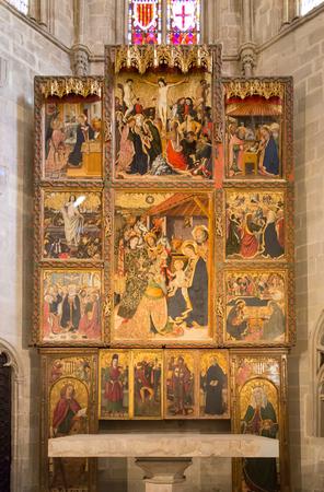 retablo: El retablo del Condestable, tambi�n conocido como el retablo de la Epifan�a es una obra de arte hecha con el templo g�tico por el artista Jaume Huguet en 1464