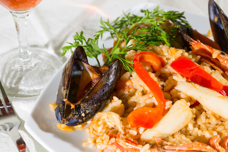 marisco: Valencian paella delicious seafood rice and prawns