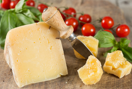 accompanied: Dry or manchego cheese accompanied by cherry tomatoes