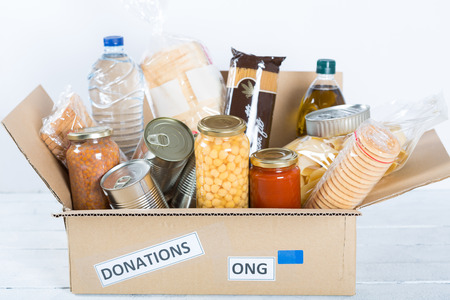 Habitação de apoio ou doação de alimentos para os pobres