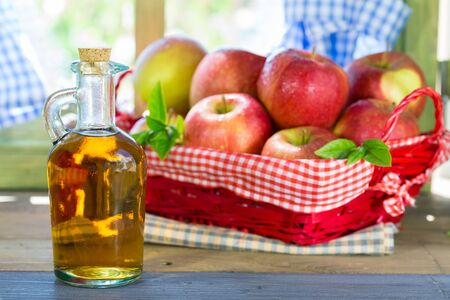 winesap apple: Apple cider vinegar with a fresh apple