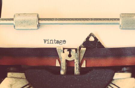 Vintage typewriter with a text that says vintage Standard-Bild