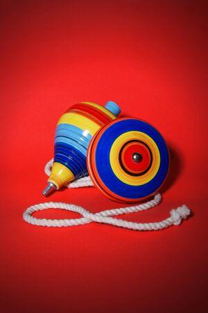 juguetes de madera: Mexicanos juguetes de madera, trompo y yoyo