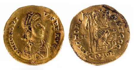 古代ローマの金のソリダス皇帝ホノリウスの誓いのコイン。 写真素材 - 70291799