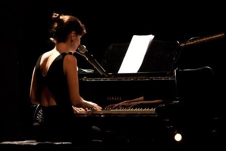 lyrical: Teatro São Luiz, Lisbon, Portugal - March 8, 2012 - Rita Redshoes Performing Live as part of the The Other Women - O Mundo nas Canções dElas Tour