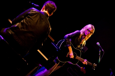 lead guitar: LISBON, PORTUGAL - NOVEMBER 8 -  Aimee Mann performs live at Aula Magna on November 8 2013 in Lisbon Portugal. Editorial