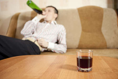 Мужчина и проблема алкоголя