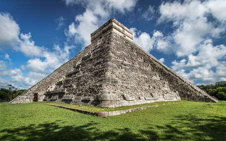 ag: The famous piramid of Kukulcan or El Castillo in Chichen Itza. In This perspective you can see the two sides That they dont reconstruct. Took the Spanish and Mayan stones from the piramid and all city to build His houses abandoned when it was 600 years ag