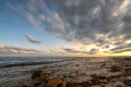 Amazing sunset at the Black sea. Relaxing horizontal view. 版權商用圖片