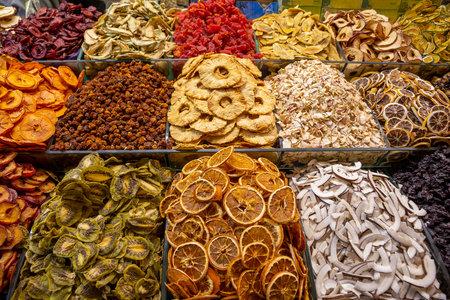 Many sliced dried fruit in the market. Horizontal view 版權商用圖片