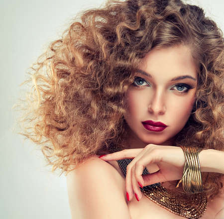 color hair: Model with curly hair