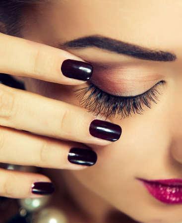 Luxus-Mode-Stil, Maniküre, Kosmetik und Make-up