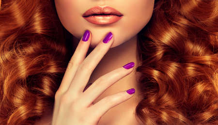 finger tip: Luxury fashion style, nails manicure, cosmetics, make-up and curly hair