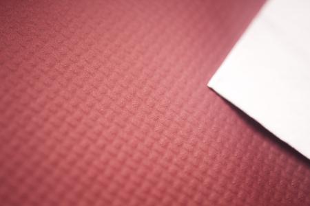 servilleta de papel: Paño de papel servilleta servilleta en la mesa de restaurante café foto. Foto de archivo