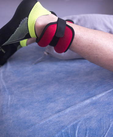 理学療法医療クリニック理学療法治療膝の怪我と手術後のリハビリテーションのため。