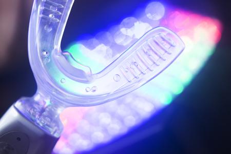 Dental bracket aligner accelerator vibrator for orthodontic straighteners, brackets and aligners.