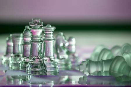concurrencer: Pi�ces d'�checs - concept d'affaires - dans une s�rie: la concurrence, la strat�gie, l'intelligence, le pouvoir, le leadership, �quipe, joueur, gagner, survivre.