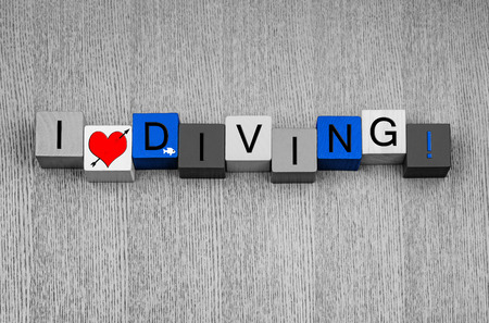 I Love Diving, sign for diving, scuba, high or pool, with small fish icon.