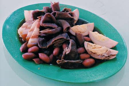 chap: Kueh chap pig intestine bean curb hard boil egg peanuts